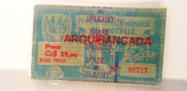 Ingresso para o jogo decisivo da Copa de 1950 entre Brasil e Uruguai no Maracanã