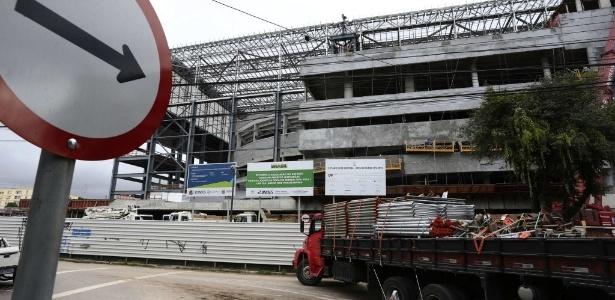 Entrega oficial da Arena da Baixada para a Fifa será no dia 15 de maio, menos de um mês antes da Copa