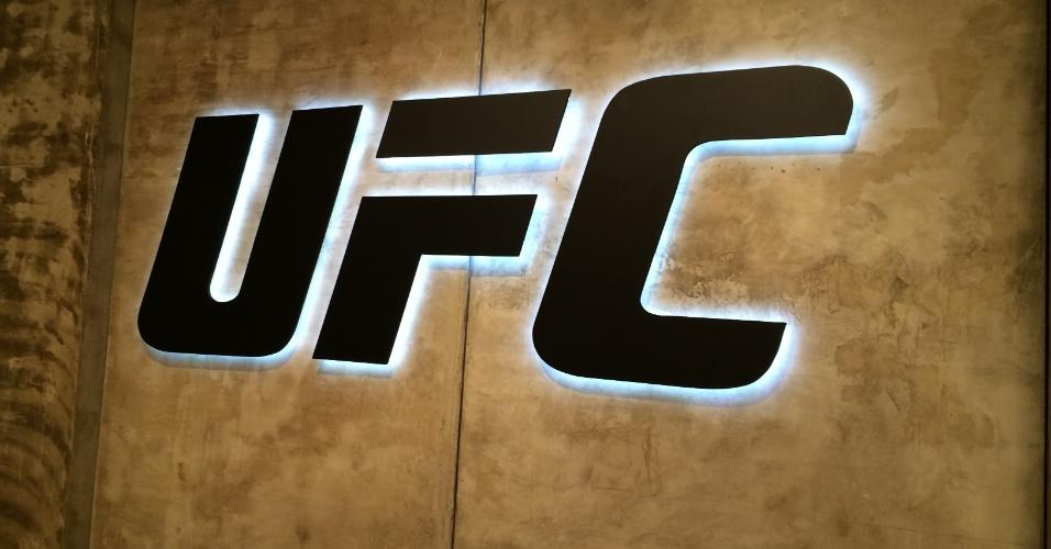 Logo do UFC na academia que receberá a próxima edição do TUF Brasil
