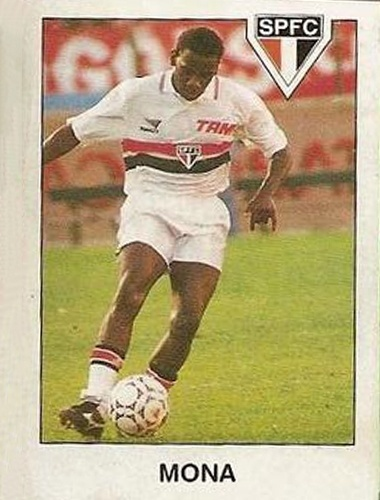 Mona - Mona atuava como volante e conquistou a Copa Conmebol de 1994