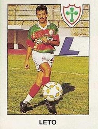 Leto - Veio ao Corinthians em 1993 em um pacotão de 4 reforços cedidos pelo o Mogi. Curioso é que Leto e Válber eram os mais badalados do quarteto. Mas quem acabou se consagrando no futebol foi Rivaldo. Já o atacante Leto foi devolvido ao Mogi. Leto também jogou no Guarani e Portuguesa