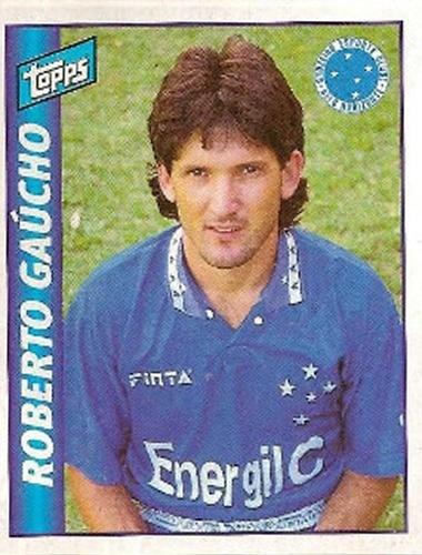 Roberto Gaúcho - Ponta-esquerda habilidoso, Roberto Gaúcho teve passagem em alto nível no Cruzeiro, no começo dos anos 90. O time mineiro conseguiu formar um bom ataque tendo Roberto Gaúcho e Renato Gaúcho.