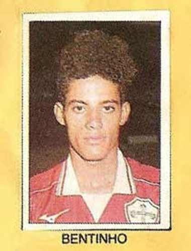 Bentinho - Bom atacante. Defendeu a Portuguesa, São Paulo e Cruzeiro, entre outros, nos anos 90. Bentinho também atuou no futebol japonês