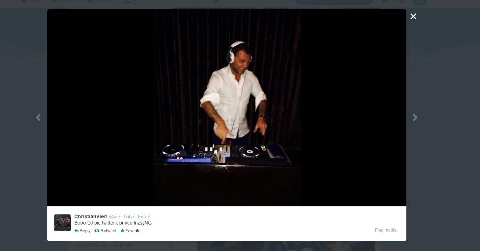Ex-atacante italiano Vieri também se arrisca como DJ