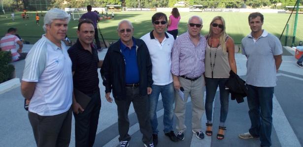 Membros da Associação de Futebol Argentino (AFA) durante visita à Cidade do Galo