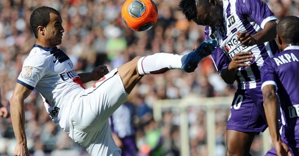 Lucas foi titular neste domingo, pelo Campeonato Francês. Seu time, o PSG, bateu o Toulouse por 4 a 2, neste domingo