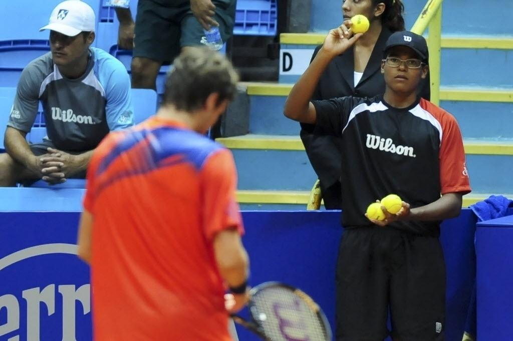 245d37c26c Eles pegam bola para os tenistas. E entregam quem são os mais irritantes -  27 02 2014 - UOL Esporte