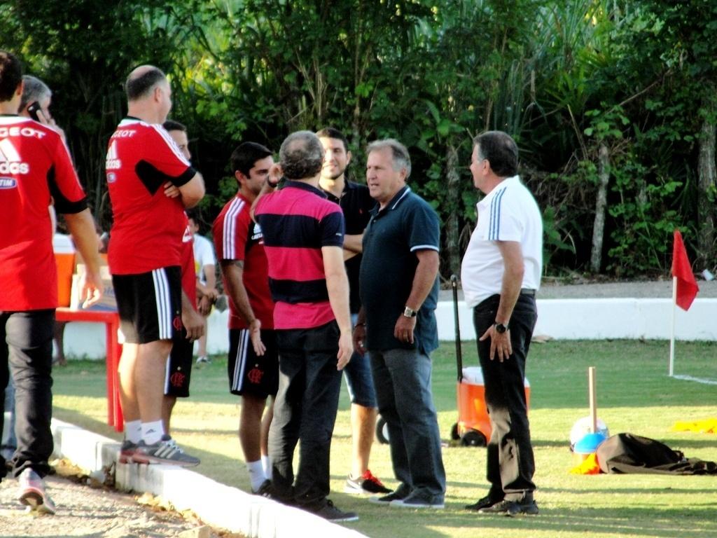 Zico esteve nesta terça-feira no ninho do Urubu para dar apoio aos jogadores do Flamengo