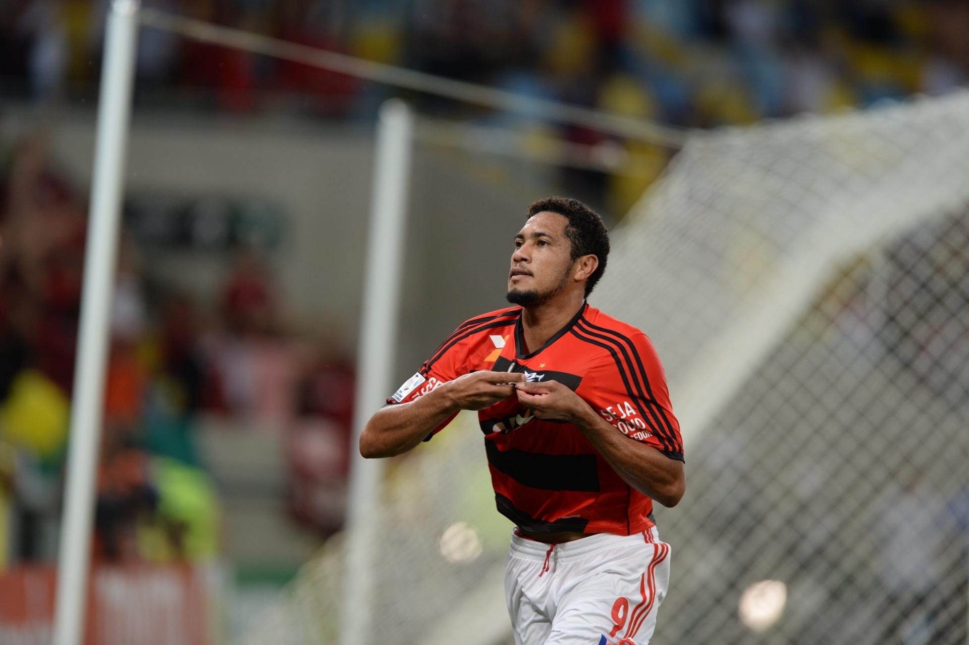 9eda26b340 Hernane sofre fratura e desfalcará o Flamengo por até quatro semanas -  04 04 2014 - UOL Esporte