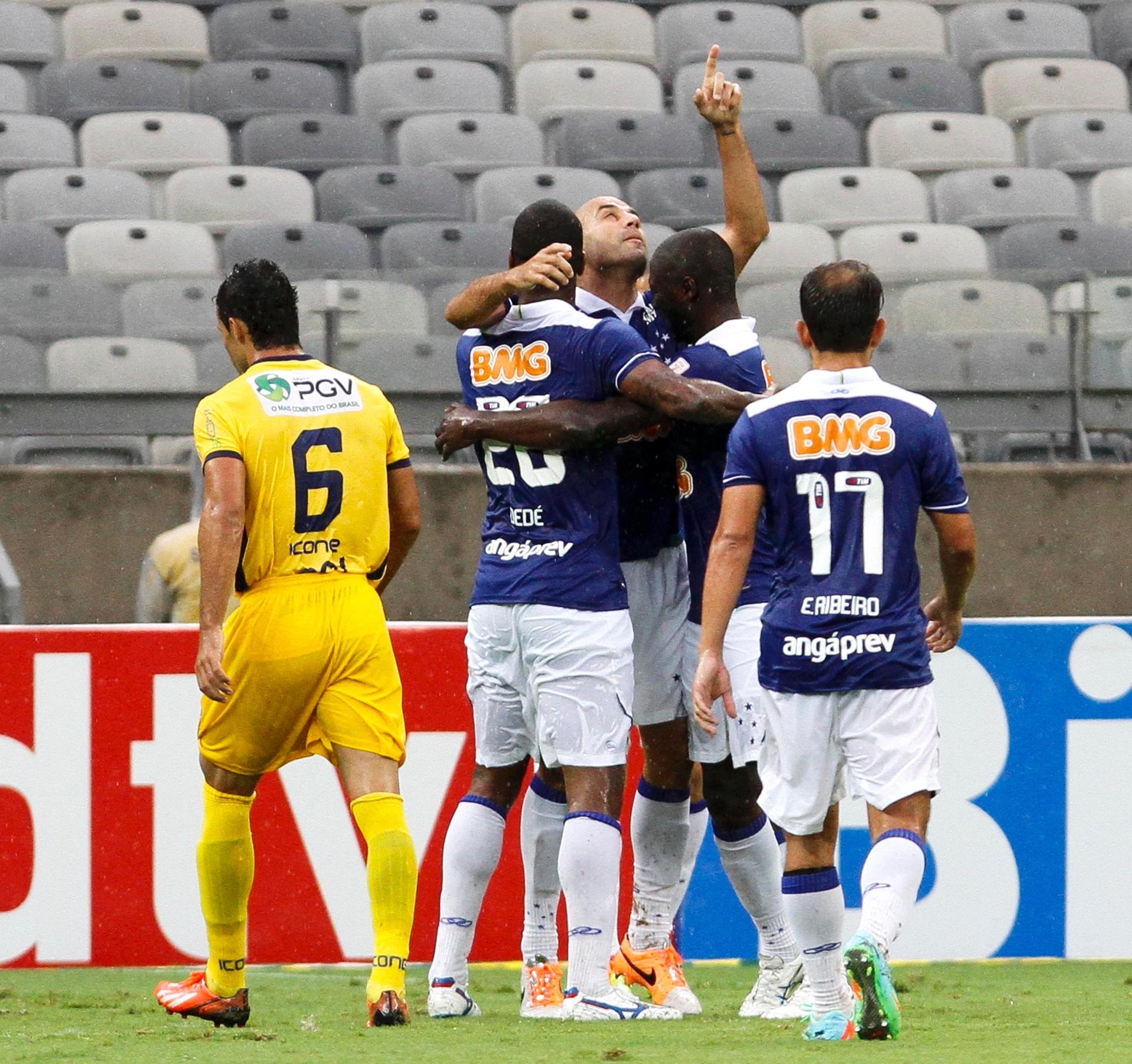 afaed177c29 Cruzeiro pega Tupi em  teste  para Libertadores e quer garantir 1º lugar  antecipado - 08 03 2014 - UOL Esporte