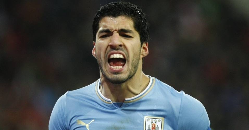 05.mar.2014 - Atacante uruguaio Luis Suárez reclama durante amistoso contra a Áustria