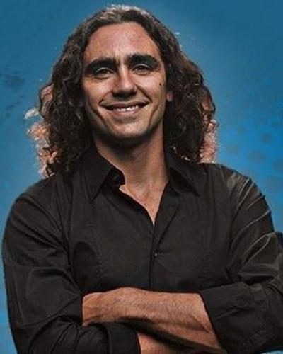 Outro ex-jogador que trabalhará na ESPN, mas na versão verde-amarela, em português, durante a Copa do Mundo é Juan Pablo Sorín. Ele já tem feito parte do time de comentaristas do canal e vai seguir a seleção argentina em 2014