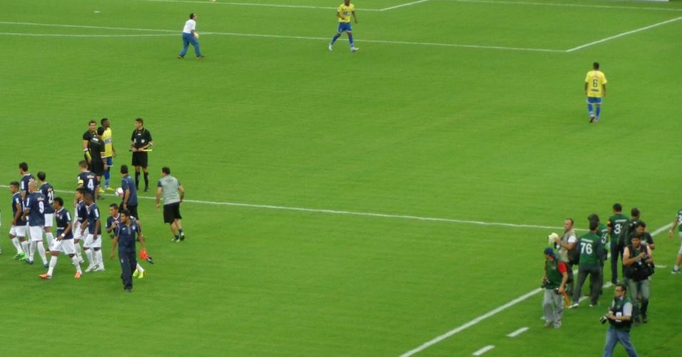 09.mar.2014 - A partida inaugural foi entre Nacional e Remo, pelas quartas de final da Copa Verde. O resultado foi 2 a 2
