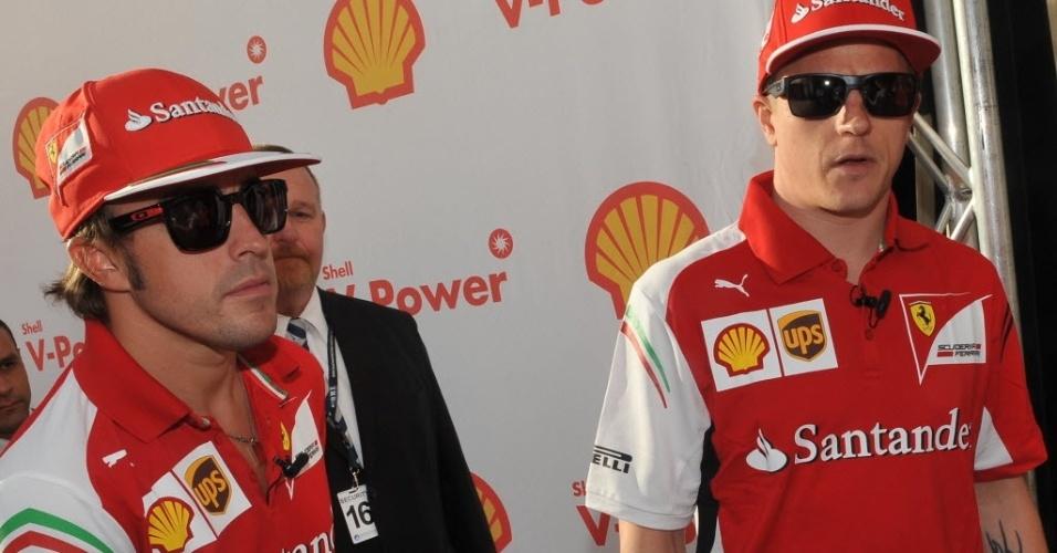 Fernando Alonso e Kimi Raikkonen chegam para evento promocional da Ferrari na Austrália. Domingo tem estreia da F1