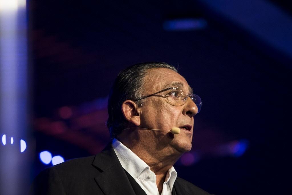 Galvão Bueno participa de evento em São Paulo, em fevereiro de 2014. A estreia como narrador de Fórmula 1 na Globo aconteceu em 1982, no GP da África do Sul