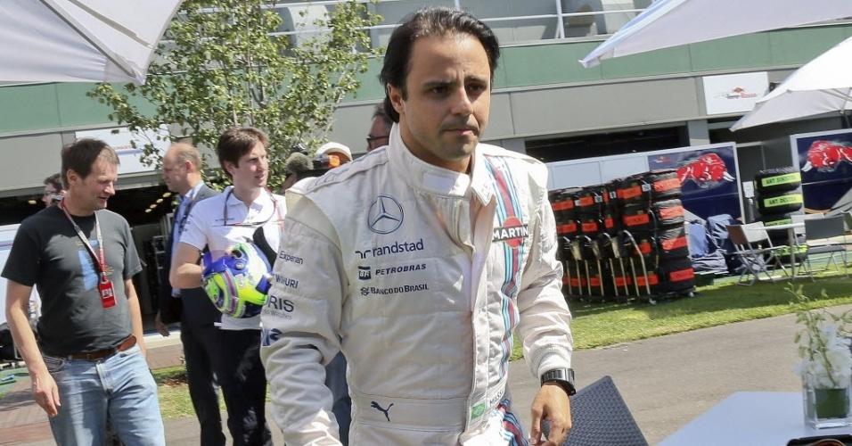 Felipe Massa chega ao circuito na Austrália para conferir sua Williams. Domingo tem a primeira prova do ano na F1