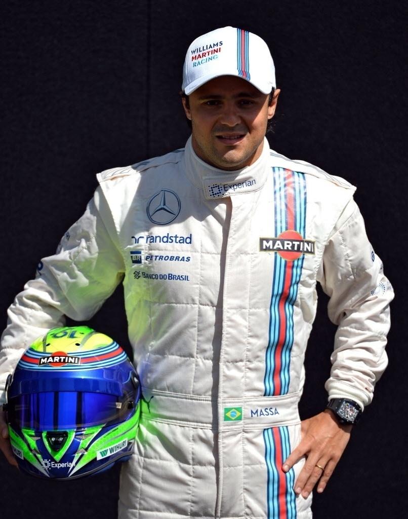 Felipe Massa posa para foto oficial nesta abertura de temporada da Fórmula 1