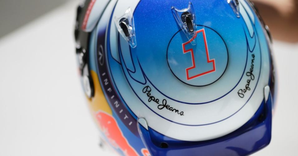 13.03.14 - Número 1 estampado no capacete de Sebastian Vettel, tetracampeão da F1