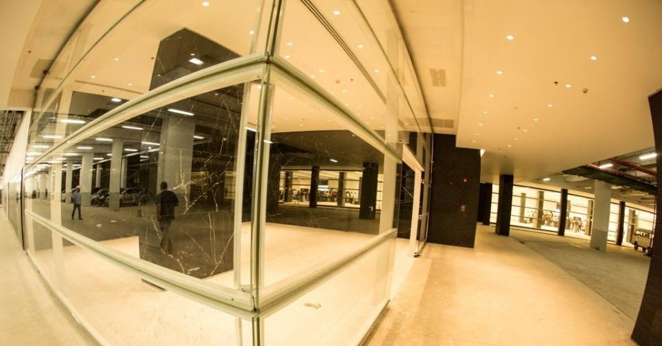 Andar térreo do Itaquerão já tem vidros e iluminação