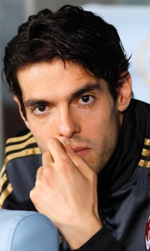 08/03/2014 - Do banco de reservas, Kaká observa o duelo entre Milan e Udinese, pelo Campeonato Italiano