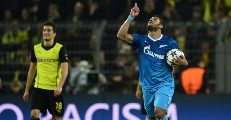 19.mar.2014 - Hulk comemora após marcar para o Zenit no duelo de volta das oitavas de final da Liga dos Campeões contra o Borussia Dortmund.