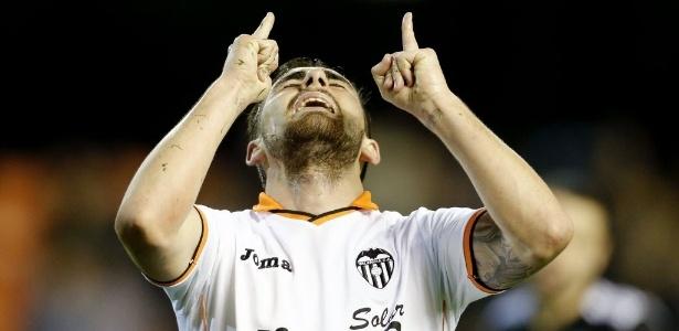 Paco Alcacer seria um dos atacantes pretendidos pelo Barcelona