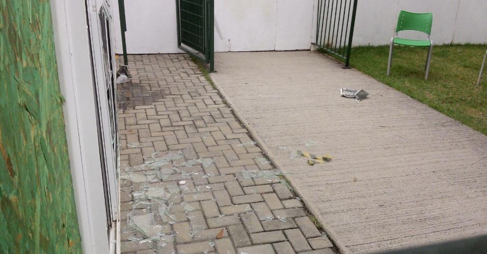 Torcedores invadem e depredam sede de sócio-torcedor do Palmeiras; vândalos quebraram vidros, mesas e cadeiras