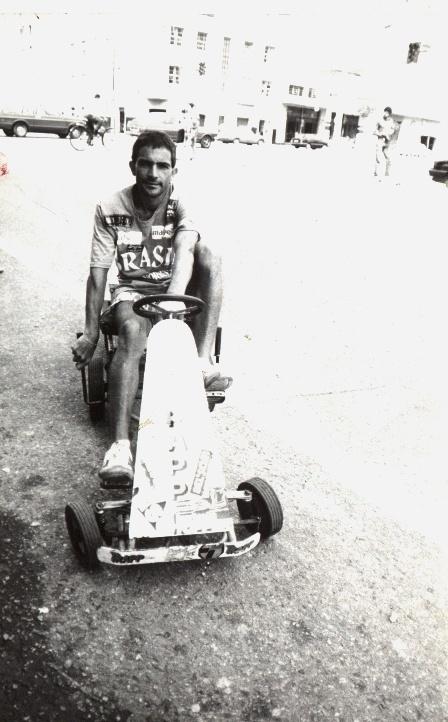 Zé do Pedal fez viagens em veículo diferentes, como nesse velocipede