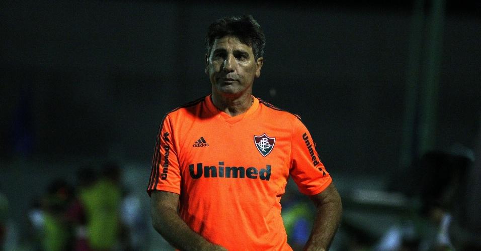 20.mar.2014 - O técnico Renato Gaúcho lamenta derrota para o Horizonte, no Ceará, pela Copa do Brasil