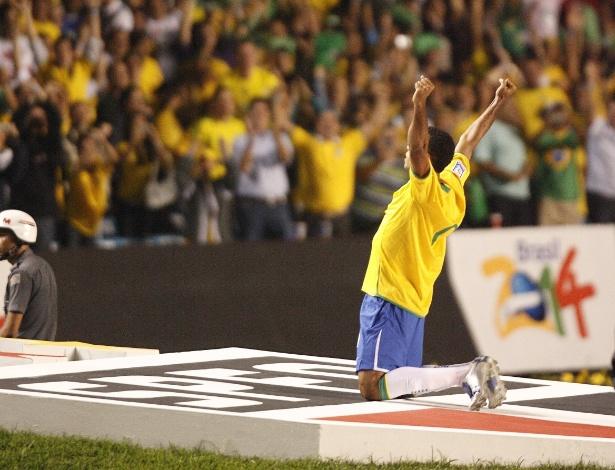 Em 2007, Brasil jogou no Morumbi como propaganda para a Copa de 2014. Agora vai...