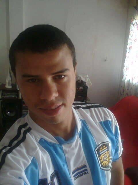 Felipe Júnior tem 19 anos e, há 5, torce pela Argentina na cidade de Viçosa, em Alagoas