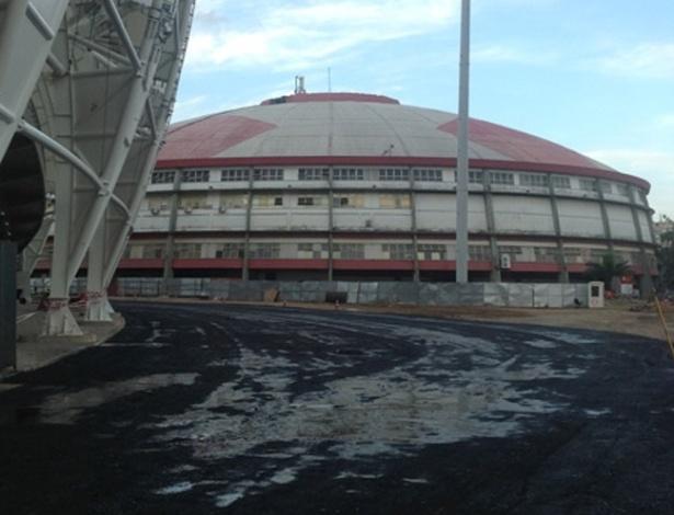 Asfalto de metade do pátio interno do estádio Beira-Rio estará pronto até a próxima segunda-feira