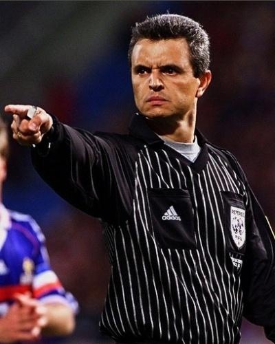Marcio Rezende é brasileiro melhor colocado em lista de grandes juízes do século feita por Federação do futebol