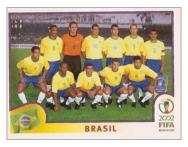 Time do Brasil de 2002: a tradicional foto posada tinha cinco jogadores que não foram para a Copa, três reservas e só três que foram, realmente, titulares no Mundial