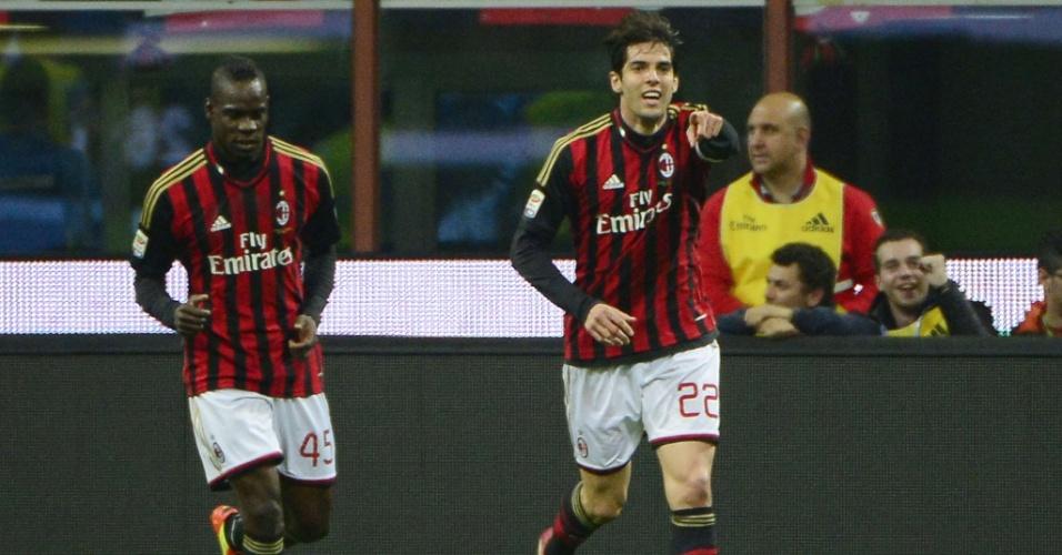29.mar.2014 - Kaká vibra com seu primeiro gol sobre o Chievo em jogo número 300 com a camisa do Milan