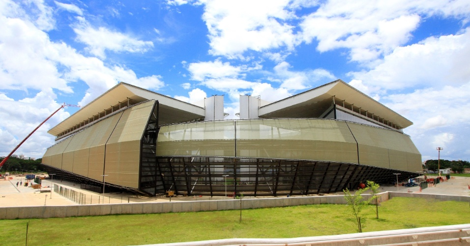 31.mar.2014 - A Arena Pantanal terá sua primeira partida oficial na próxima quarta-feira (02/04), entre Mixto e Santos pela Copa do Brasil