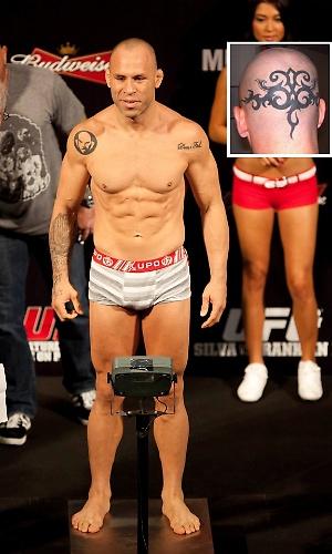 Wanderlei Silva tem uma famosa tatuagem tribal na parte de trás da cabeça - de gosto bastante duvidoso - e uma no ombro com a imagem de sua equipe, a Wand Fight Team - esta mais elogiada e até copiada