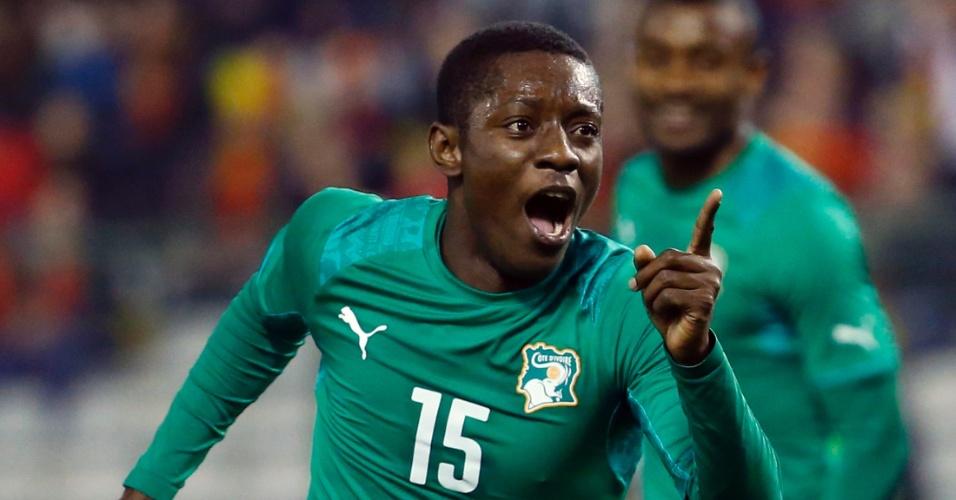 5.mar.2014 - Max Gradel comemora após marcar um dos gols da Costa do Marfim no empate por 2 a 2 com a Bélgica no amistoso disputado em Bruxelas