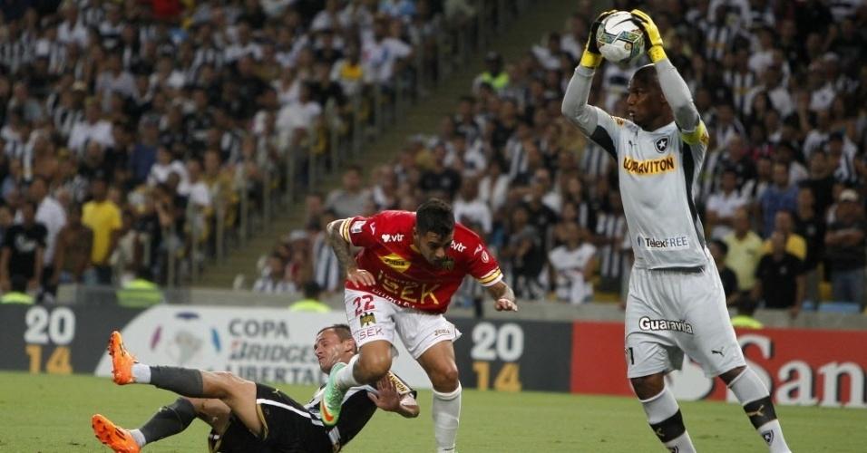 02.04.14 - Jefferson faz a defesa em jogo entre Botafogo e Unión Española na Libertadores