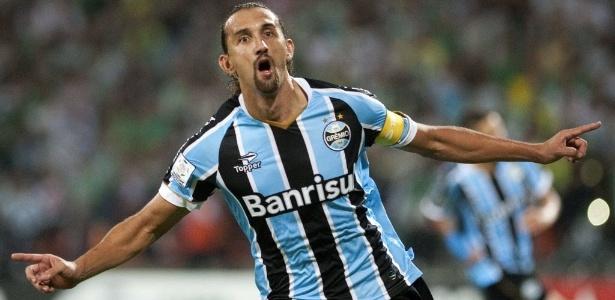 Representantes de Barcos ouviram a oferta do Santos e prometem resposta ao clube