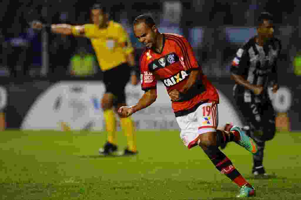 edd8ced39a Fotos  Flamengo visita o Emelec pela Libertadores - 02 04 2014 - UOL ...