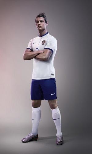 Segundo uniforme de Portugal será branco com detalhes em azul