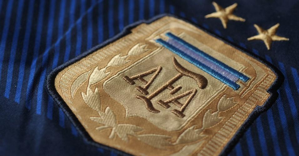 Argentina - camisa azul - escudo