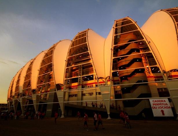 05 abr 2014 - Estádio Beira-Rio, casa do Internacional, foi reformado para a Copa do Mundo