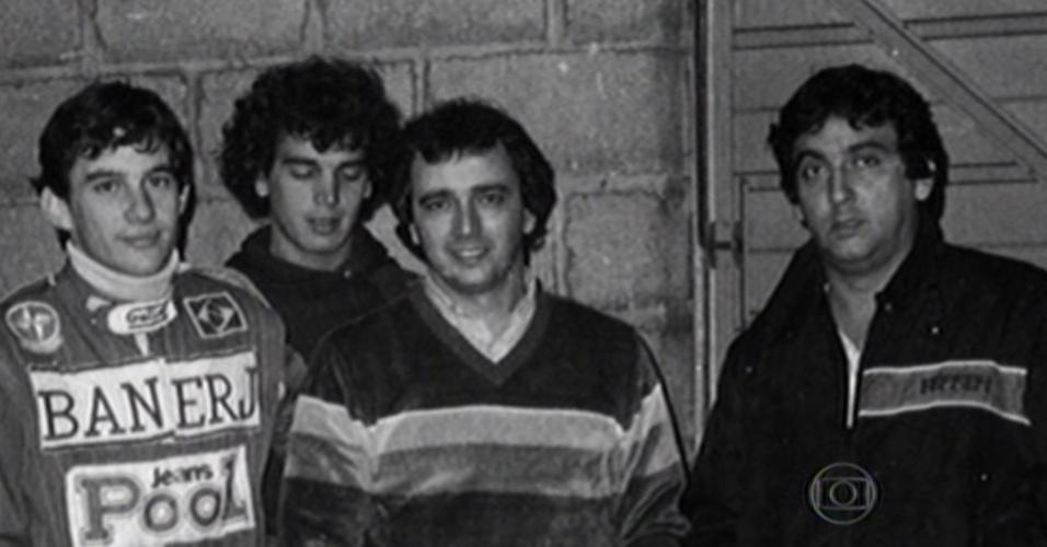 Ayrton Senna aparece em foto com Reginaldo Leme e Galvão Bueno ainda na F3 inglesa, em 1983. Imagem é do especial sobre o piloto que o Esporte Espetacular exibe em quatro episódios