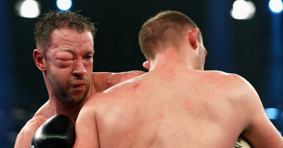 Enzo Maccarinelli fica com olho inchado na luta contra Juergen Braehmer