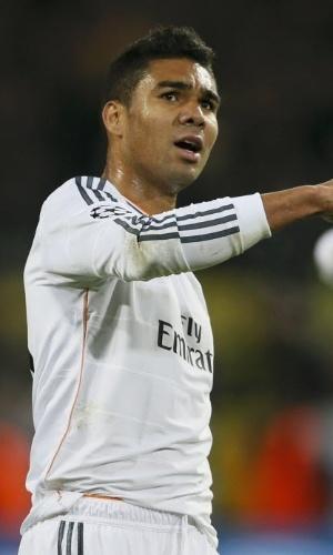 08.abr.2014 - Casemiro (dir) comemora após o Real Madrid eliminar o Borussia Dortmund e garantir vaga nas semifinais da Liga dos Campeões