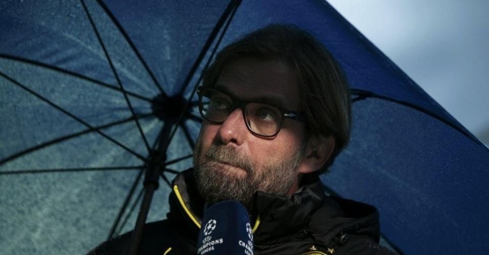 08.abr.2014 - Técnico do Borussia, Juergen Klopp concede entrevista antes da partida segunda partida do duelo contra o Real Madrid pelas quartas de final