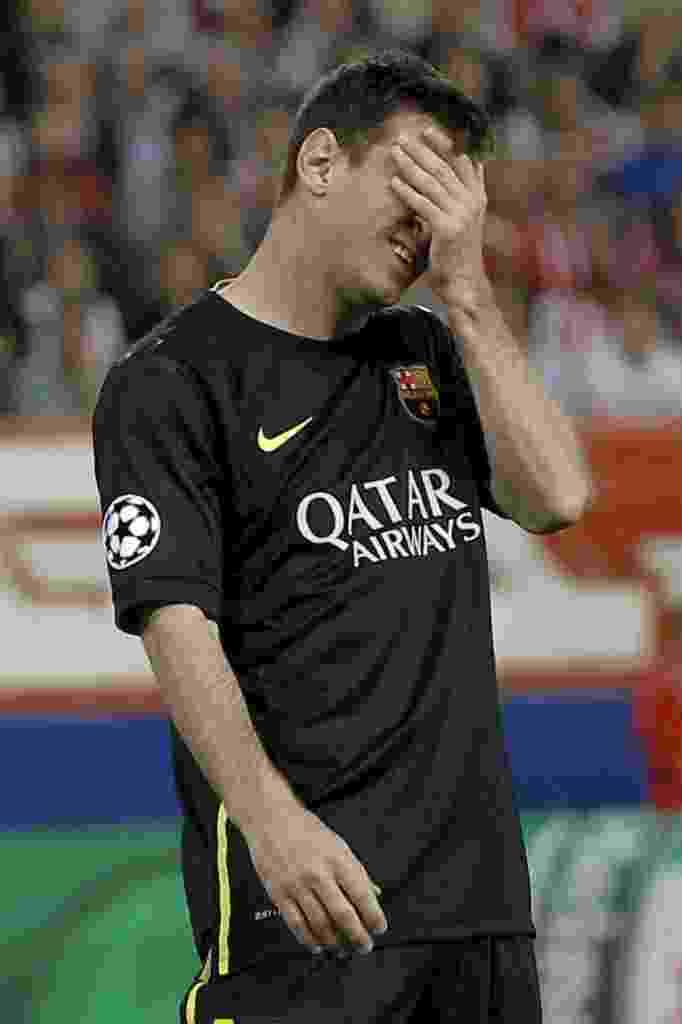 9.abr.2014 - Messi lamenta mais uma chance perdida pelo Barcelona na partida contra o Atlético de Madri - EFE/JuanJo Martín