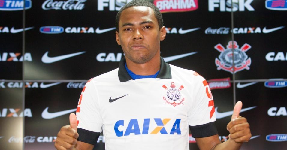 10.04.2014 - Elias mostra satisfação em seu retorno ao Corinthians